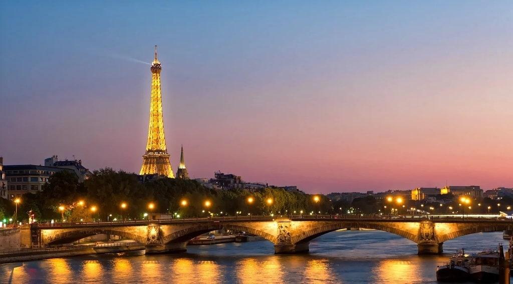 Où passe la Seine à Paris ?